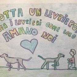 Sandy, greyhound salvata dal mondo delle corse, incontra i bambini della Scuola Vidari – Vigevano