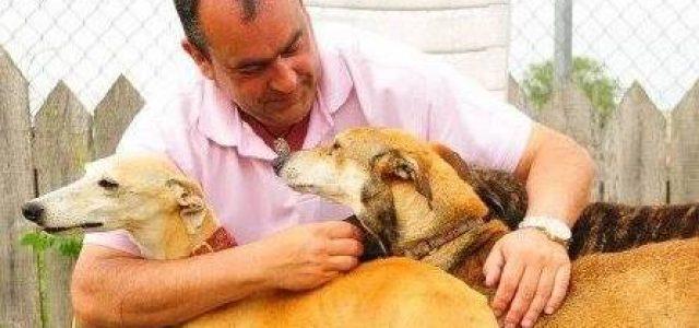 Fermin Martin, presidente di Scooby, al Galgos Adoption Day di Pet levrieri – 16 settembre